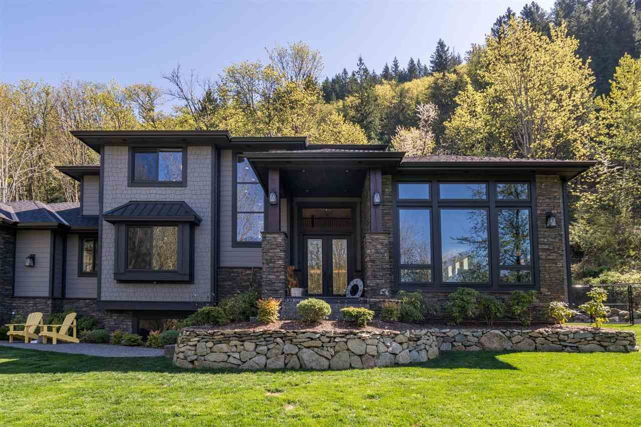 Main Photo: 11650 HODGKIN Road in Mission: Lake Errock House for sale : MLS®# R2571059