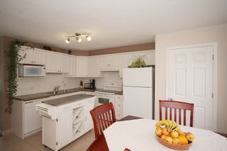 Photo 8: Affordable half duplex in Calgary, Alberta