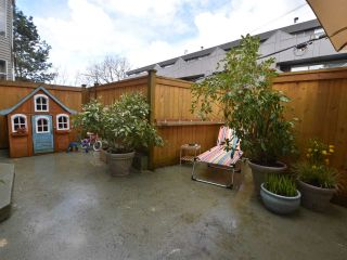 """Photo 12: 2669 W 10TH Avenue in Vancouver: Kitsilano Townhouse for sale in """"SIGNATURE COURT"""" (Vancouver West)  : MLS®# R2166556"""
