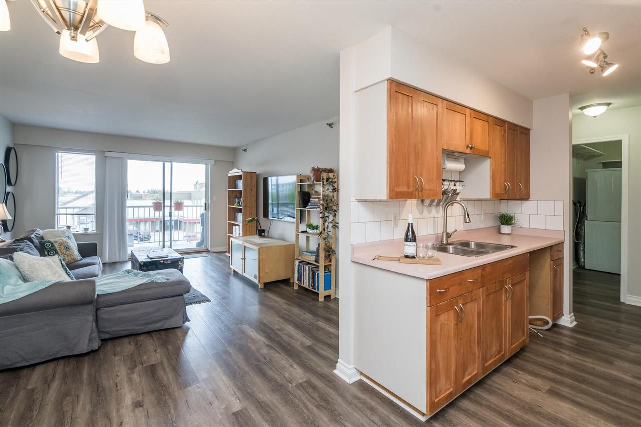 """Main Photo: 327 22661 LOUGHEED Highway in Maple Ridge: East Central Condo for sale in """"GOLDEN EARS ESTATE"""" : MLS®# R2576397"""