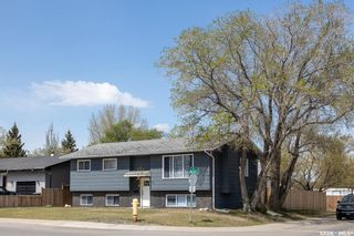 Photo 2: 721 4th Street South in Martensville: Residential for sale : MLS®# SK855187