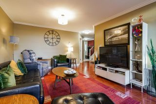 """Photo 4: 10 7250 122 Street in Surrey: East Newton Townhouse for sale in """"STRAWBERRY HILL"""" : MLS®# R2622818"""