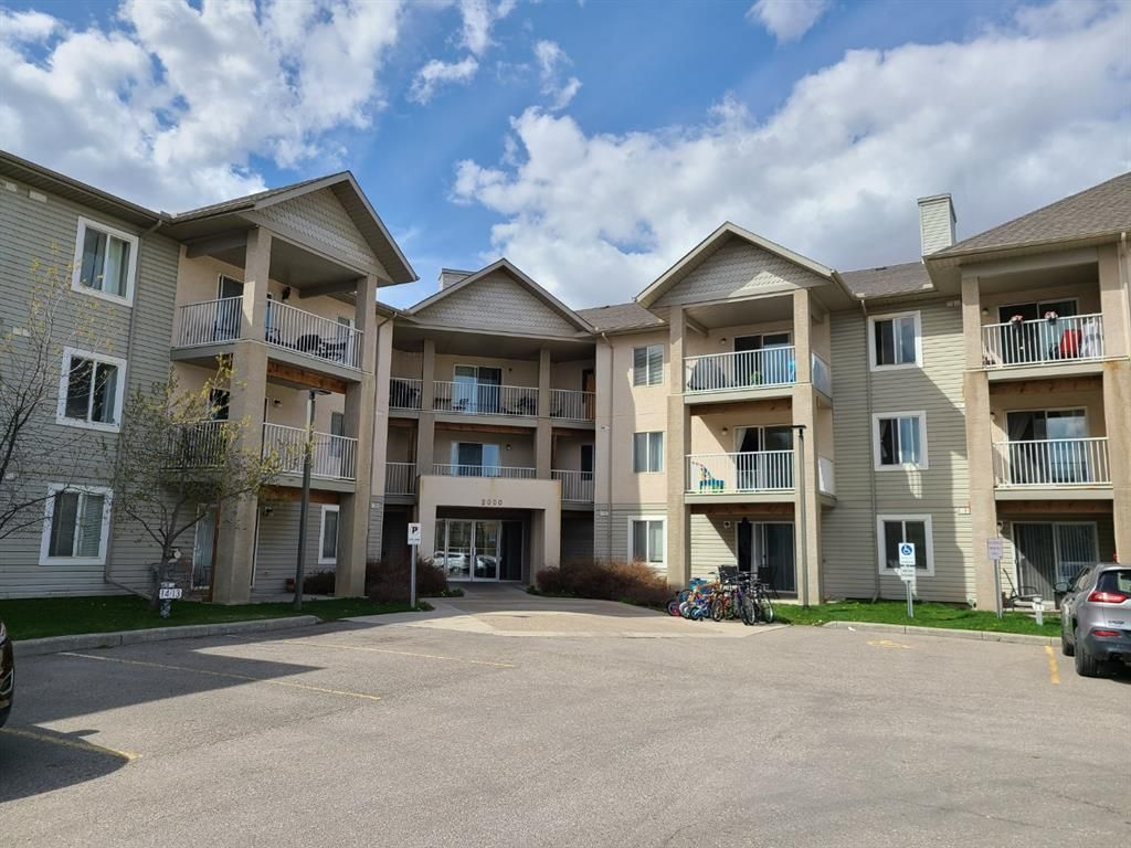 Main Photo: 109 2000 CITADEL MEADOW Point NW in Calgary: Citadel Apartment for sale : MLS®# A1136301