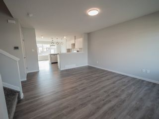 Photo 3: 2613 201 Street in Edmonton: Zone 57 Attached Home for sale : MLS®# E4262204