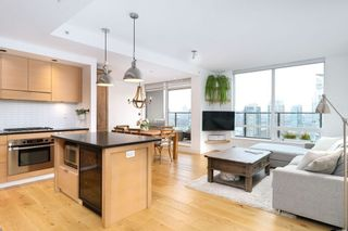 "Photo 1: 1901 1055 HOMER Street in Vancouver: Yaletown Condo for sale in ""DOMUS"" (Vancouver West)  : MLS®# R2245157"