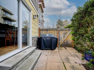 Photo 18: 102 1510 Hillside Ave in Victoria: Vi Oaklands Row/Townhouse for sale : MLS®# 874175