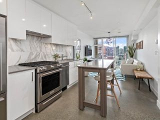 """Photo 6: 605 231 E PENDER Street in Vancouver: Strathcona Condo for sale in """"FRAMEWORK"""" (Vancouver East)  : MLS®# R2525315"""