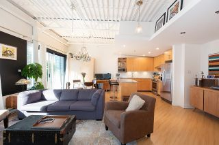 """Photo 6: 511 549 COLUMBIA Street in New Westminster: Downtown NW Condo for sale in """"C2C Lofts"""" : MLS®# R2601275"""