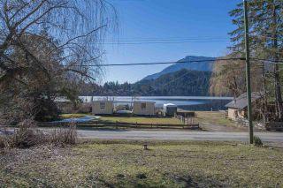 Photo 1: 66546 KAWKAWA LAKE Road in Hope: Hope Kawkawa Lake House for sale : MLS®# R2350534
