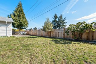 Photo 11: 2105 Pemberton Pl in : CV Comox (Town of) House for sale (Comox Valley)  : MLS®# 871277