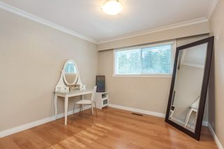 """Photo 9: 24686 56 Avenue in Langley: Salmon River House for sale in """"Strawberry Hills"""" : MLS®# R2129647"""