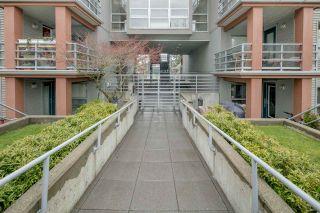 """Photo 16: 306 3161 W 4TH Avenue in Vancouver: Kitsilano Condo for sale in """"Bridgewater"""" (Vancouver West)  : MLS®# R2252176"""