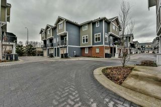 """Photo 3: 3 1135 EWEN Avenue in New Westminster: Queensborough Townhouse for sale in """"ENGLISH MEWS"""" : MLS®# R2133366"""