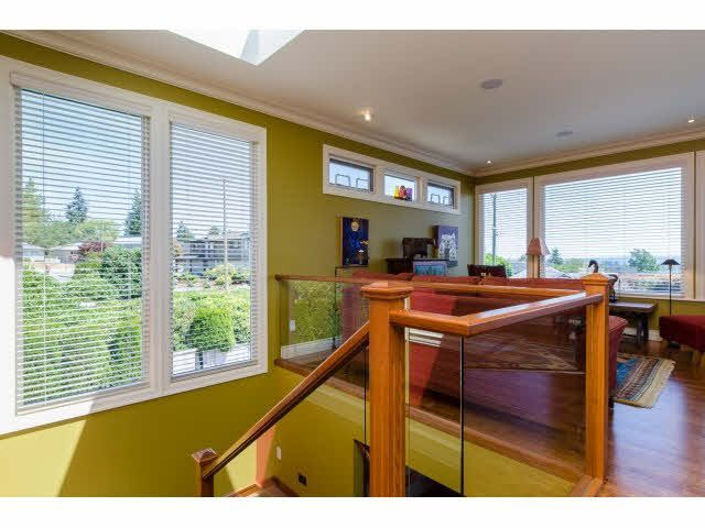 """Photo 4: Photos: 1159 BALSAM Street: White Rock House for sale in """"UPPER EAST BEACH"""" (South Surrey White Rock)  : MLS®# F1445609"""