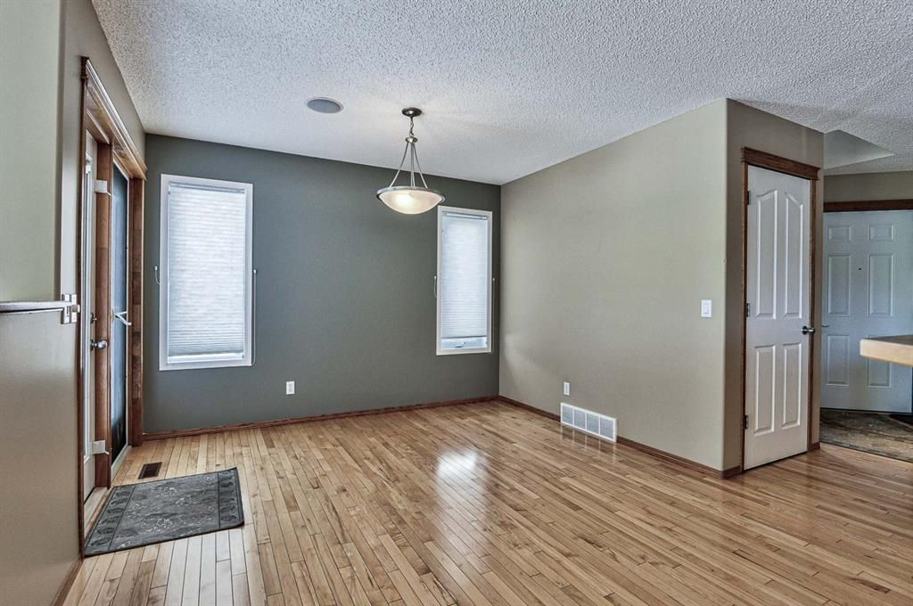 Photo 16: Photos: 106 Everwillow Close SW in Calgary: Evergreen Detached for sale : MLS®# A1116249