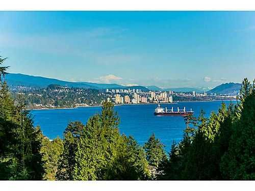 Main Photo: 4890 WATER Lane in West Vancouver: Home for sale : MLS®# V1055671