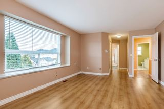 "Photo 12: 6510 184 Street in Surrey: Cloverdale BC House for sale in ""CLOVER VALLEY"" (Cloverdale)  : MLS®# R2222955"
