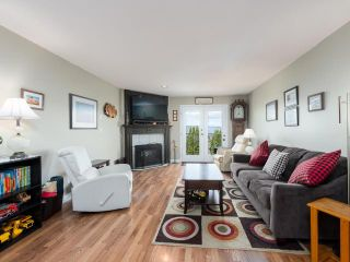Photo 2: 8 1580 SPRINGHILL DRIVE in Kamloops: Sahali Townhouse for sale : MLS®# 161507
