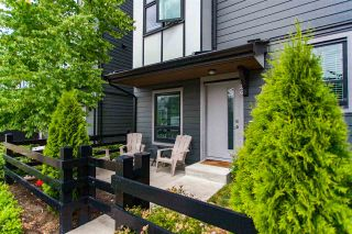 """Photo 2: 26 2427 164 Street in Surrey: Grandview Surrey Townhouse for sale in """"THE SMITH"""" (South Surrey White Rock)  : MLS®# R2530372"""