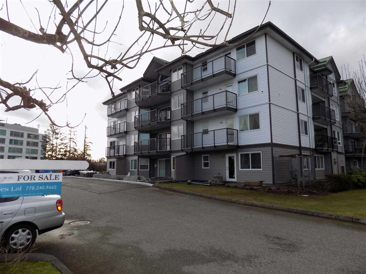 Photo 3: Photos: 311 32044 OLD YALE Road in Abbotsford: Abbotsford West Condo for sale : MLS®# R2331409