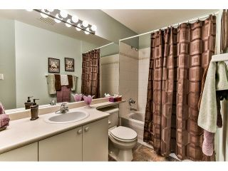 """Photo 13: 146 15501 89A Avenue in Surrey: Fleetwood Tynehead Townhouse for sale in """"AVONDALE"""" : MLS®# R2058402"""