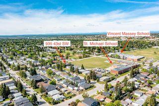 Photo 3: 935 43 Street SW in Calgary: Rosscarrock Semi Detached for sale : MLS®# A1144166