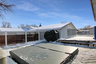 Photo 38: 43 Russenholt Street in Winnipeg: Crestview Residential for sale (5H)  : MLS®# 202102923