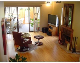 Photo 6: 856 HERRMANN Street in Coquitlam: Meadow Brook House for sale : MLS®# V781053