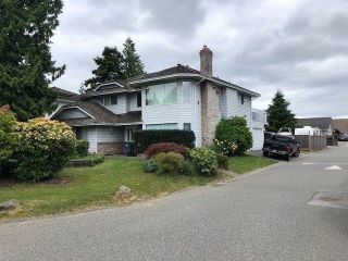 Photo 4: 18387 CLAYTONHILL Drive in Surrey: Cloverdale BC House for sale (Cloverdale)  : MLS®# R2275018