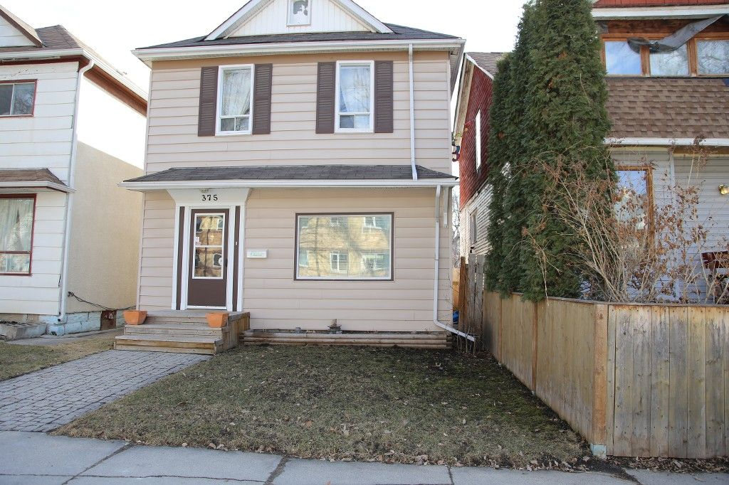 Photo 1: Photos: 375 Toronto Street in WINNIPEG: West End Single Family Detached for sale (West Winnipeg)  : MLS®# 1508111
