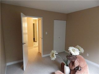 Photo 8: 203 1442 BLACKWOOD Street: White Rock Condo for sale (South Surrey White Rock)  : MLS®# F1445500