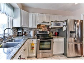 """Photo 11: 162 15501 89A Avenue in Surrey: Fleetwood Tynehead Townhouse for sale in """"AVONDALE"""" : MLS®# R2058419"""