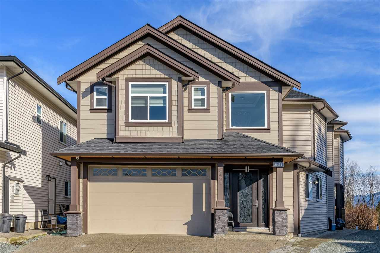 Main Photo: 3492 HAZELWOOD Place in Abbotsford: Abbotsford East House for sale : MLS®# R2550604