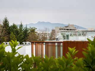 """Photo 22: 104 811 W 7TH Avenue in Vancouver: Fairview VW Townhouse for sale in """"WILLOW MEWS"""" (Vancouver West)  : MLS®# V1110537"""