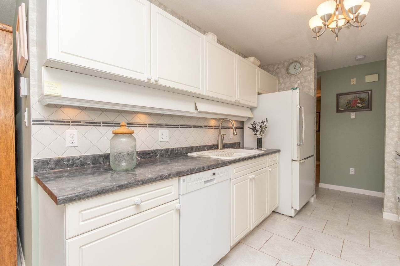 """Photo 11: Photos: 210 3680 BANFF Court in North Vancouver: Northlands Condo for sale in """"Parkgate Manor"""" : MLS®# R2556634"""