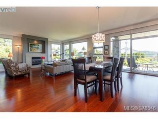 Photo 5: 108 3223 Selleck Way in VICTORIA: Co Lagoon Condo for sale (Colwood)  : MLS®# 760118