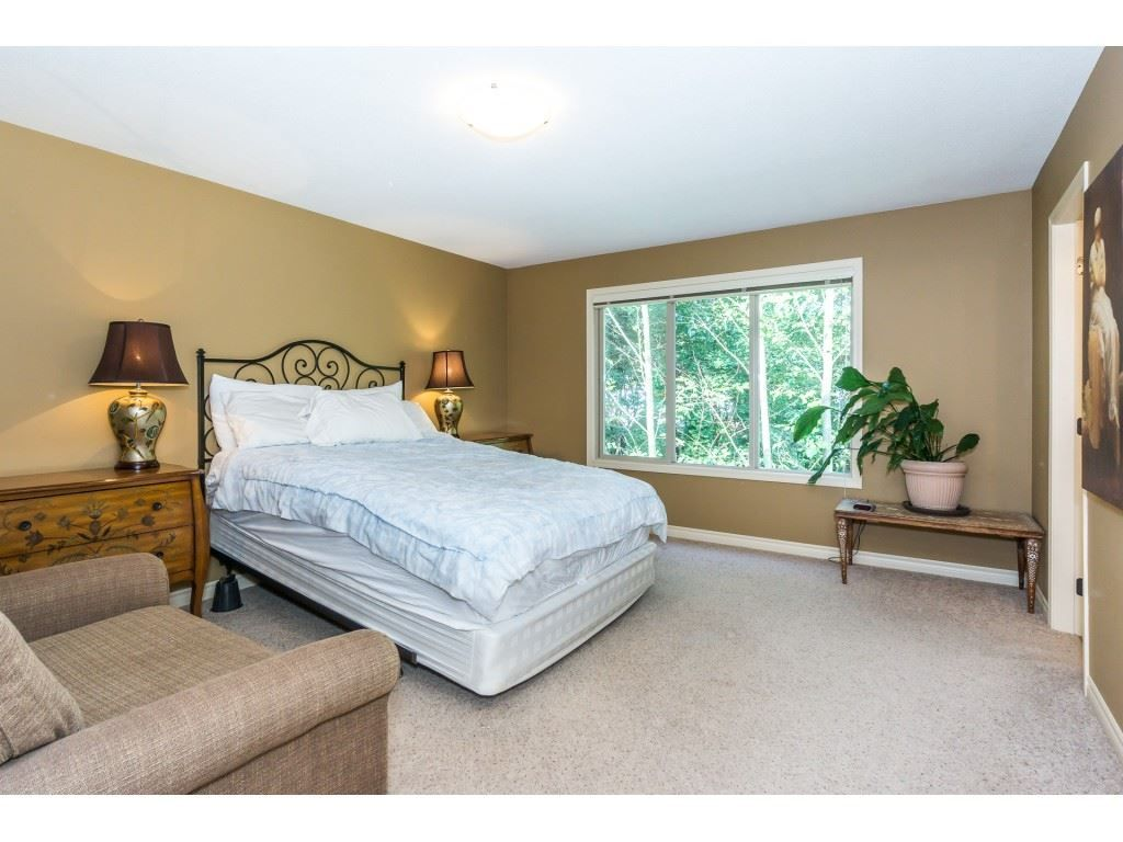 """Photo 13: Photos: 32 46840 RUSSELL Road in Sardis: Promontory Townhouse for sale in """"Timeber Ridge"""" : MLS®# R2359001"""