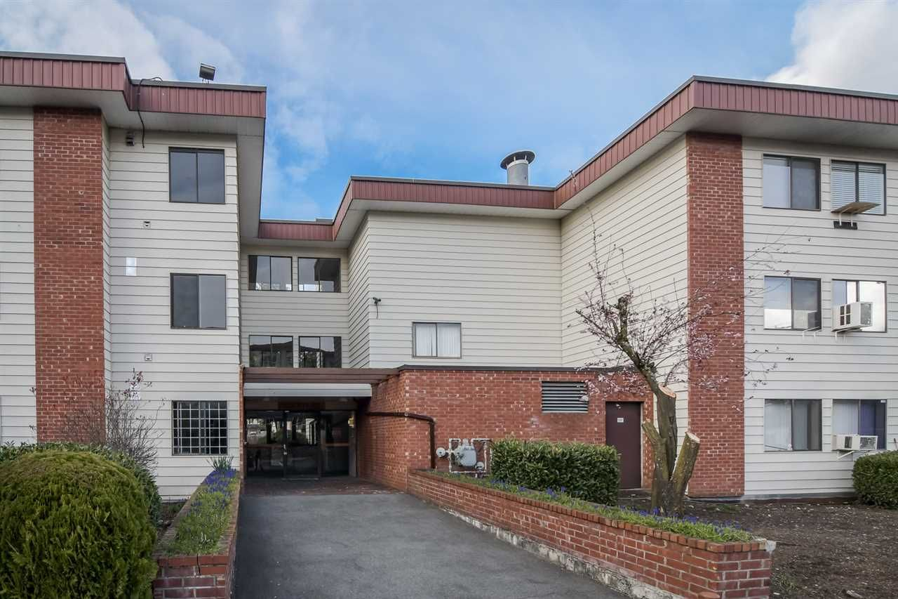 """Main Photo: 127 1909 SALTON Road in Abbotsford: Central Abbotsford Condo for sale in """"Forest Village"""" : MLS®# R2252343"""