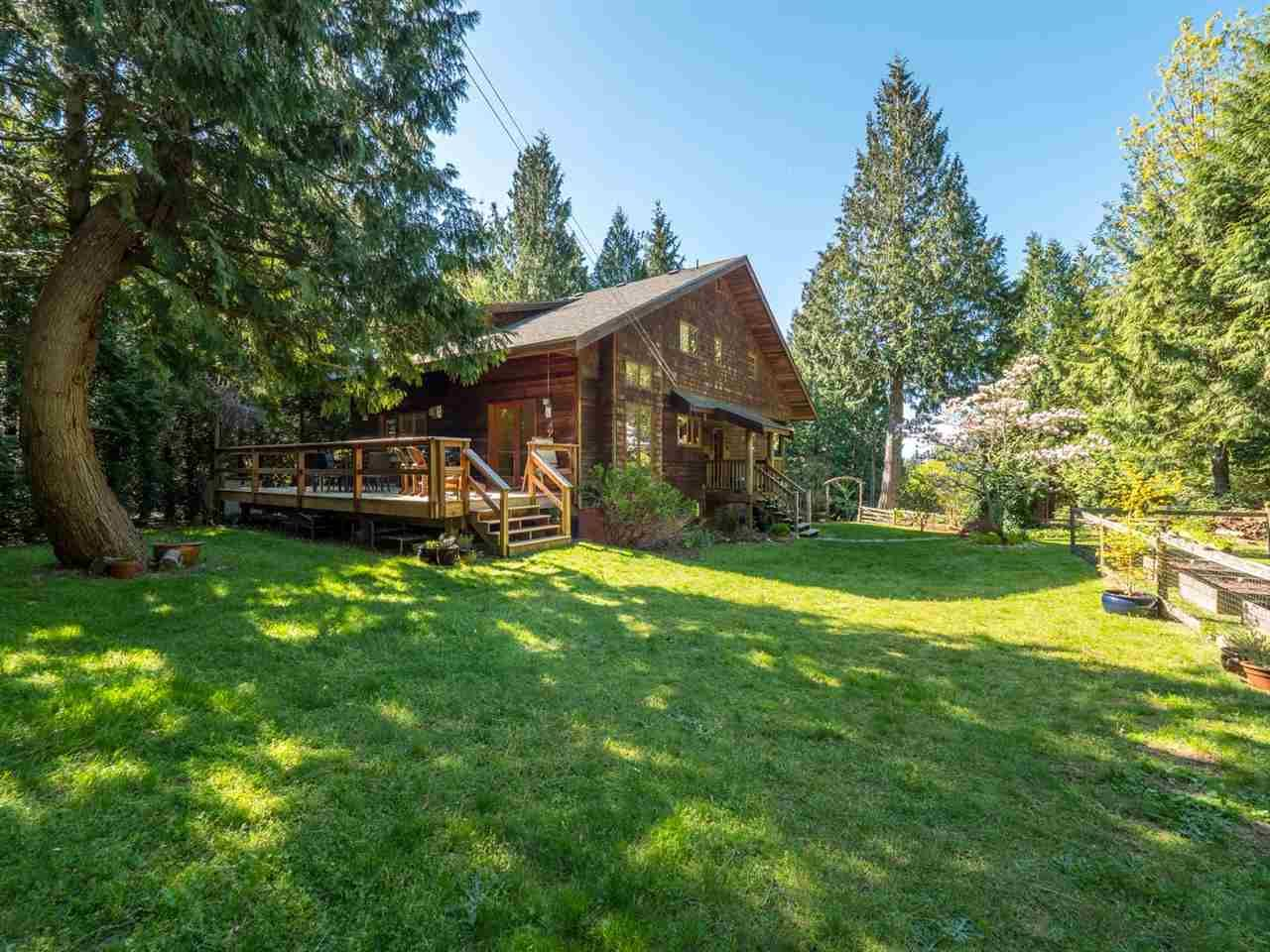Main Photo: 3204 HUCKLEBERRY Road: Roberts Creek House for sale (Sunshine Coast)  : MLS®# R2364064