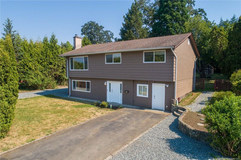 FEATURED LISTING: 2247 Rosewood Ave