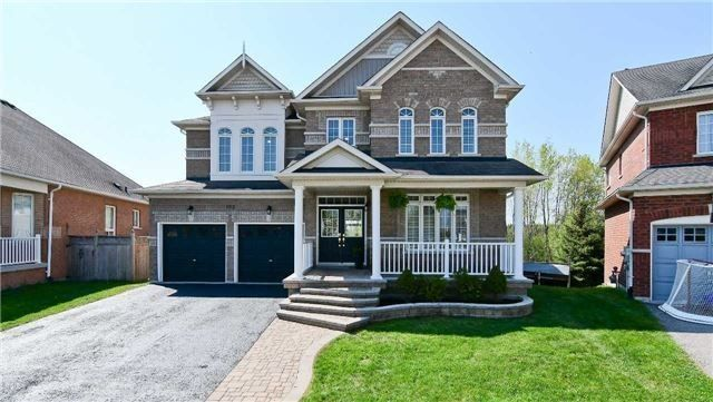 Main Photo: 102 Roseborough Dr in Scugog: Port Perry Freehold for sale : MLS®# E4144694