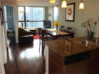 """Photo 1: 801 813 AGNES Street in New Westminster: Downtown NW Condo for sale in """"NEWS"""" : MLS®# V1085074"""