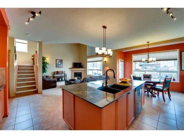 Photo 8: Photos: 21 MORNINGSIDE Bay SW: Airdrie House for sale : MLS®# C4011063