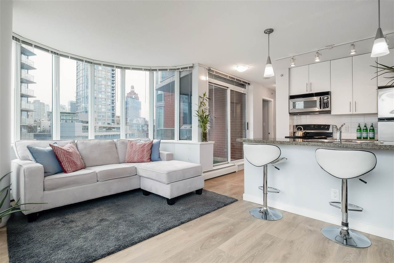 """Main Photo: 1005 688 ABBOTT Street in Vancouver: Downtown VW Condo for sale in """"Firenze II"""" (Vancouver West)  : MLS®# R2541367"""
