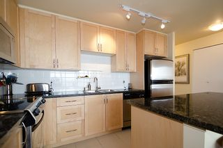 Photo 8: 1201 6823 STATION HILL Drive in Burnaby: South Slope Condo for sale (Burnaby South)  : MLS®# V961615