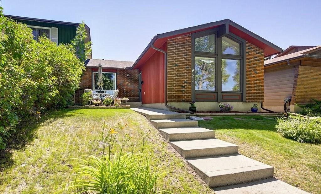 Main Photo:  in Calgary: Midnapore House for sale