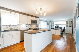 """Photo 5: 36 201 CAYER Street in Coquitlam: Maillardville Manufactured Home for sale in """"WILDWOOD MANUFACTURED HOME PARK"""" : MLS®# R2619875"""
