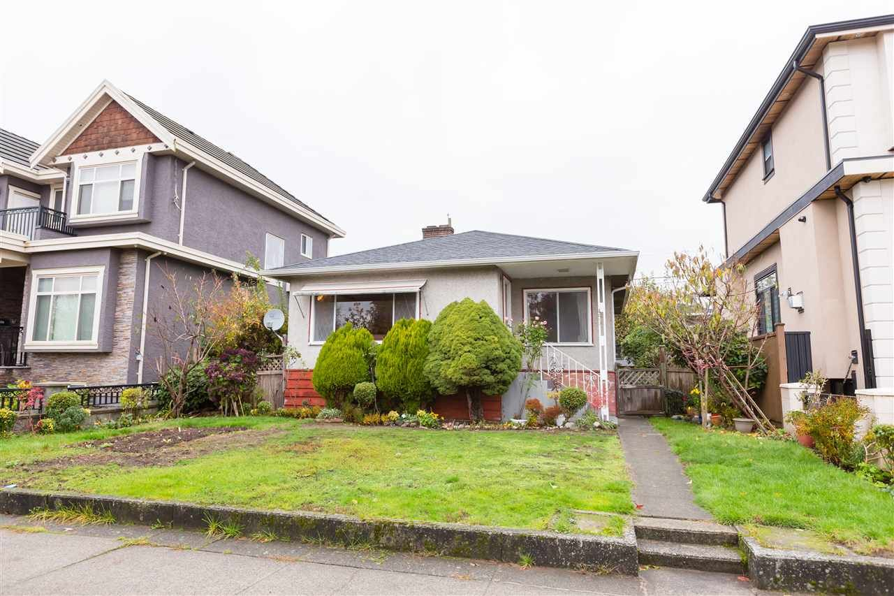 Main Photo: 453 E 61ST AVENUE in : South Vancouver House for sale : MLS®# R2322585