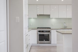"""Photo 11: 2603 6638 DUNBLANE Avenue in Burnaby: Metrotown Condo for sale in """"Midori"""" (Burnaby South)  : MLS®# R2564598"""