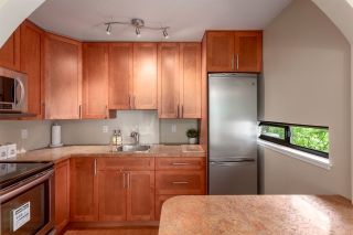 """Photo 7: 304 674 W 17TH Avenue in Vancouver: Cambie Condo for sale in """"Heatherfield"""" (Vancouver West)  : MLS®# R2285626"""